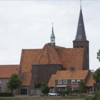 Sint Petruskerk Bergen vanaf de kromme dijk